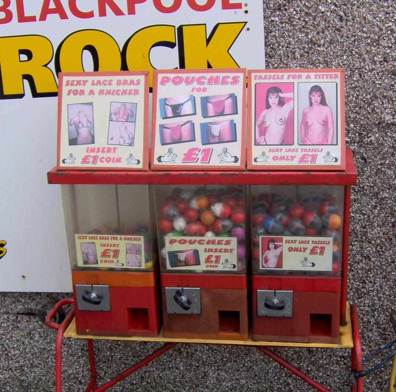 Blackpoolrock2_3